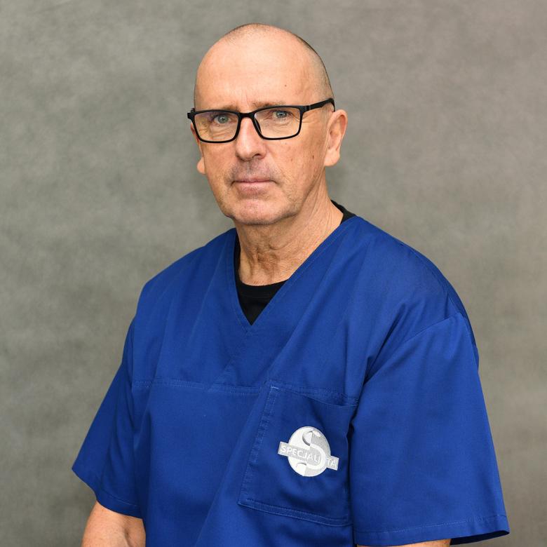 Lek. specjalista anestezjolog i intensywnej terapii Piotr Tarkowski